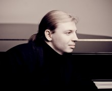 Denis Kozhukhin, piano