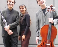 Armand Angster, Françoise Kubler et Christophe Beau composent « Accroche notes ».